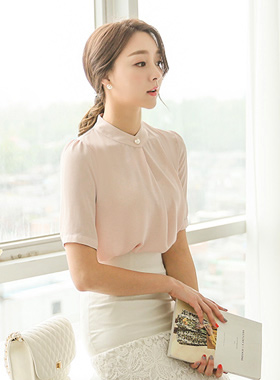 Folded Pearl Button Blouse (short-sleeved)