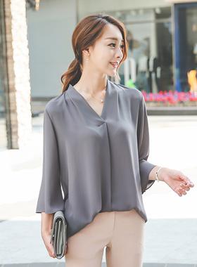 feminine V-neck long blouse