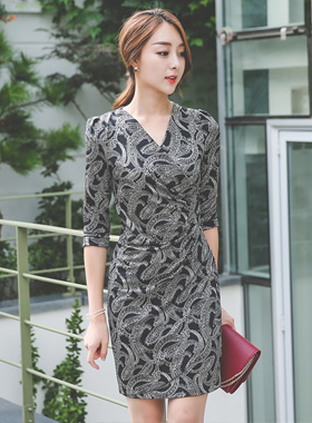 Glossy shearing paisley wrap dress