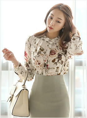 China Neck Ruched Flower Blouse