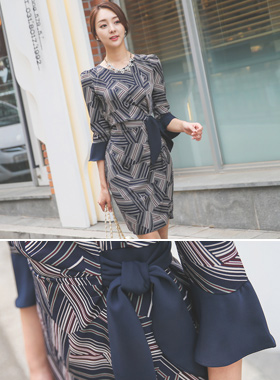 Sandra seukeolchyeo bowknot Dress