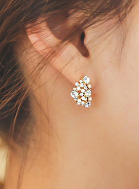Half Moon Cubic pearl earring