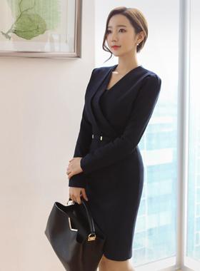 Modern cut V-neck Dress