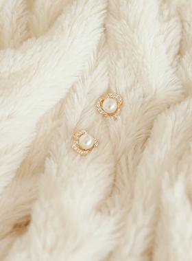 Pure Rose pearl earring