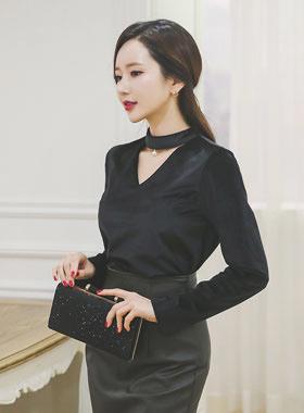 pearl choker neck blouse Velvet Top