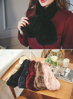 Real Rex fur knitted muffler