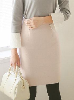 Soft Color Slim wool skirt