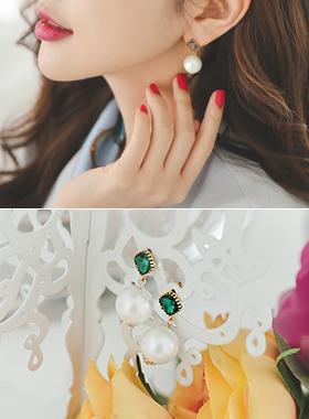 Ophelia pearl olive earring