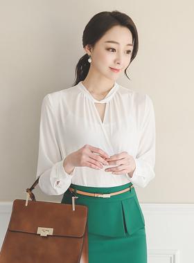 Elegance twist wrap blouse