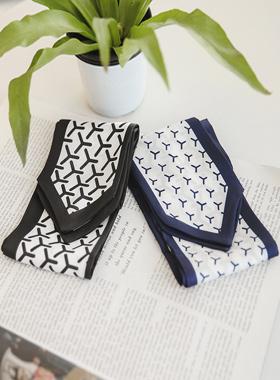 Simple pinwheel tie scarf