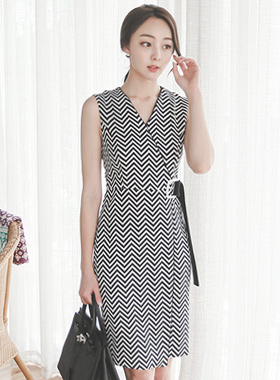 Modern color combination Square Belt Dress (Sleeveless)