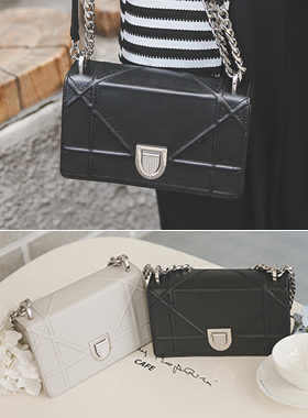 Diorama chain shoulder bag