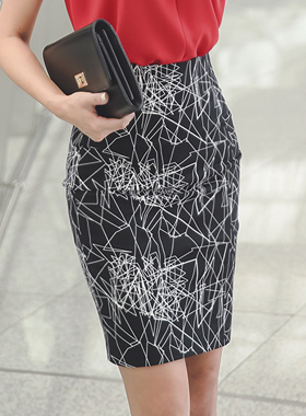 Polygonal Slim Cotton span Skirt