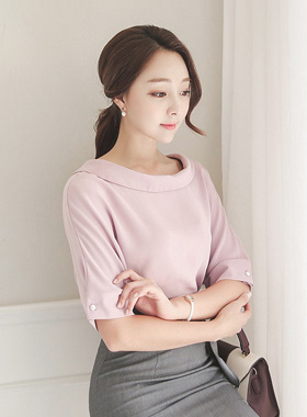 Wide-rolled Silky Blouse