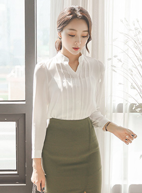 Pin taps line open half China Blouse