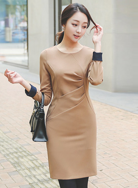 Side Shirring volume incision Dress (long sleeves)