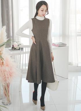Classic Wool Wool Flare Dress