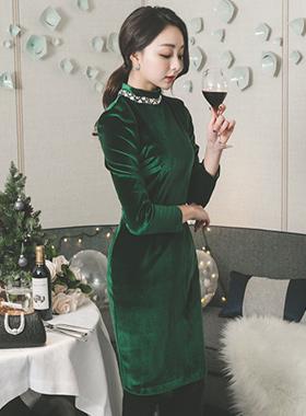 Etoile Cubic Neck Velvet Dress