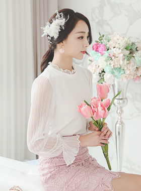 Wrinkle See-through look frilly neck blouse top