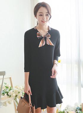 Scarf Ribbon Tie Ruffle Knit Dress (7 sleeve)