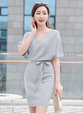 Volume Stork Lap Knit Dress