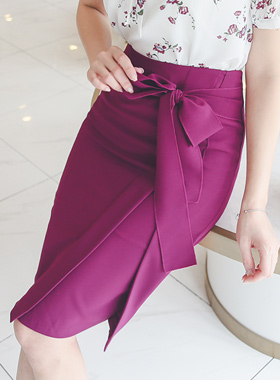 Cutting incision Belted Skirt