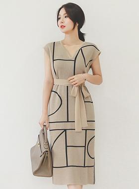 line Heart Neck Strap Belt Knit Dress