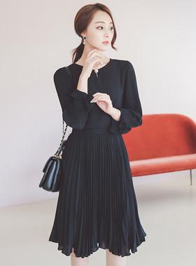 Luxury Pearl Button Pleats Dress
