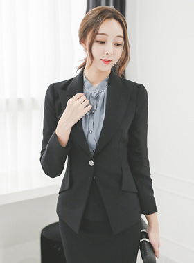 Square One Button Tailored Incision Jacket