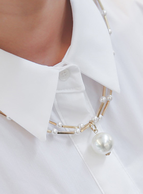 Gold motif ball pearl Necklace
