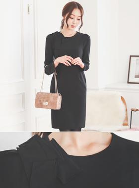 Shoulder Mono Detail simple Round Dress