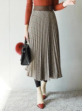 Suede Buckle Pleats Skirt