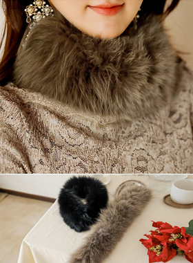 Fur muffler with rounding fox