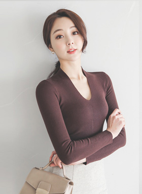 Glam Slim Deep V-neck Knit
