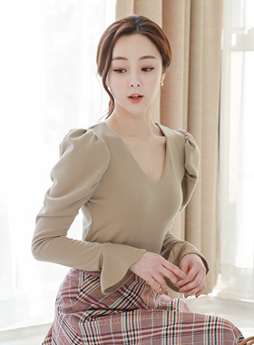 Unique V-neck Cuffs Sleeves Puff Tee