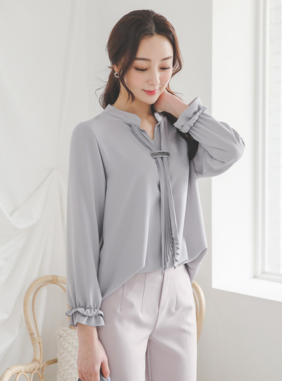 Stone Trimming Pleats Scarf Long Blouse