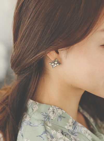 Square antique earring (pearlorcubic)