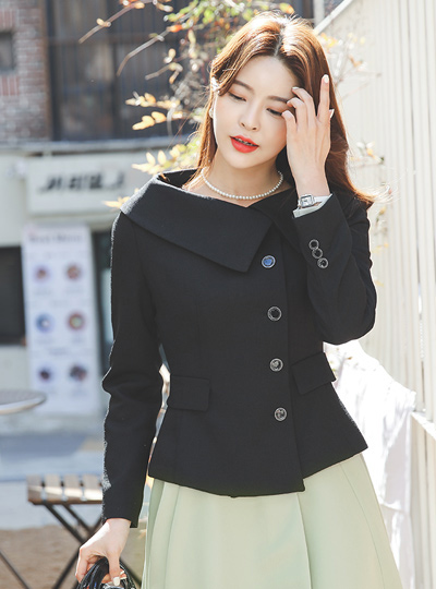 Classic Cape Collar Side Button Jacket