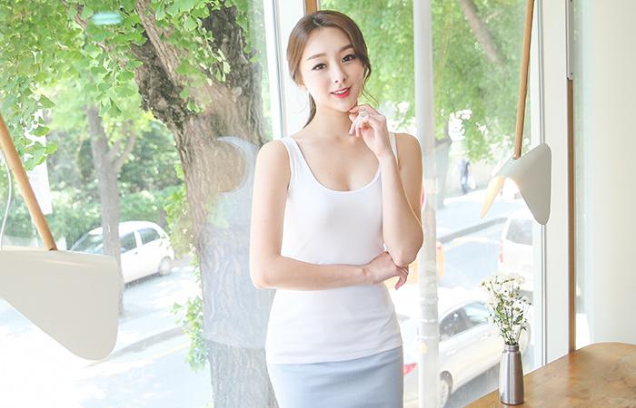 Dual Slim sleeveless tee