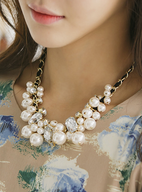 Stone mix pearl necklace
