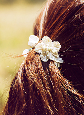 Flower mother of pearl hair band