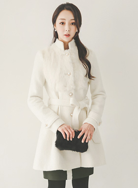 Real Rabbit Furre Pearl Button Flare Wool Coat
