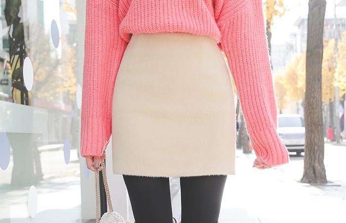 Basic wool wool mini skirt
