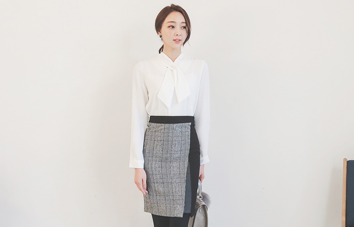 Check patch color combination Unknown Skirt