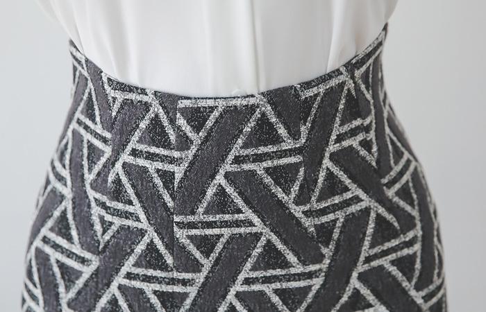 Zigzag Stick Pattern H-line Midiskirt