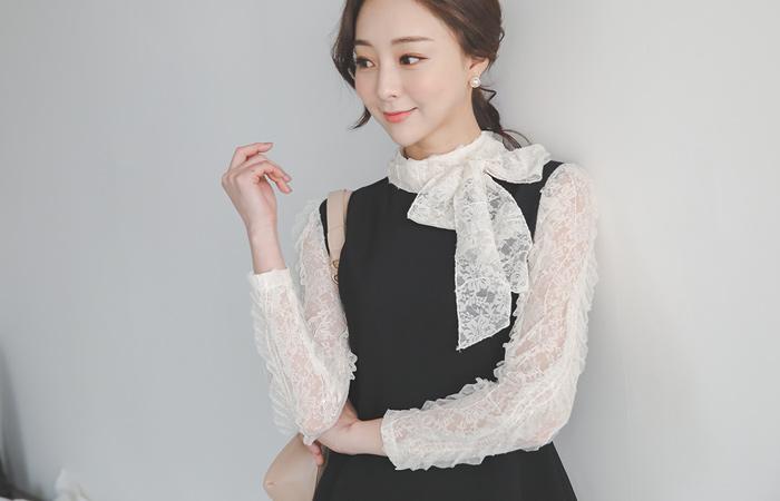 Isabel Wrinkle Lace Scarf Flared Dress