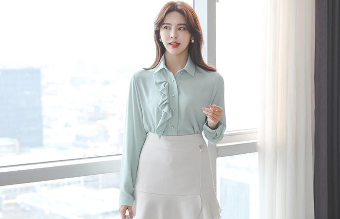 Wrinkle One Side Frill Blouse