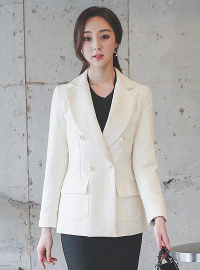 Cruise-Line Imitation Pearl Tweed Jacket