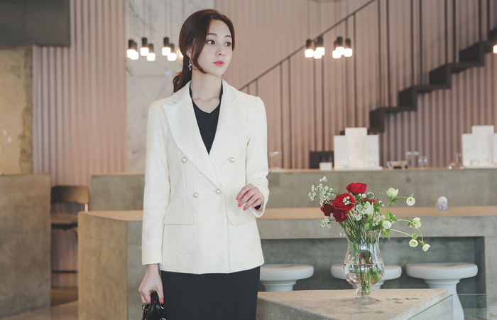 Cruise-Line Imitation Pearl Tweed Jacket