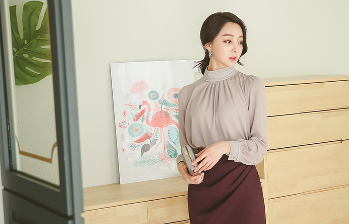 Tiered Highneck Chiffon Blouse